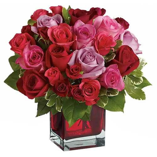 Gorgeous Red N Pink Color Roses arranged in a Glass Cube Vase<br>
